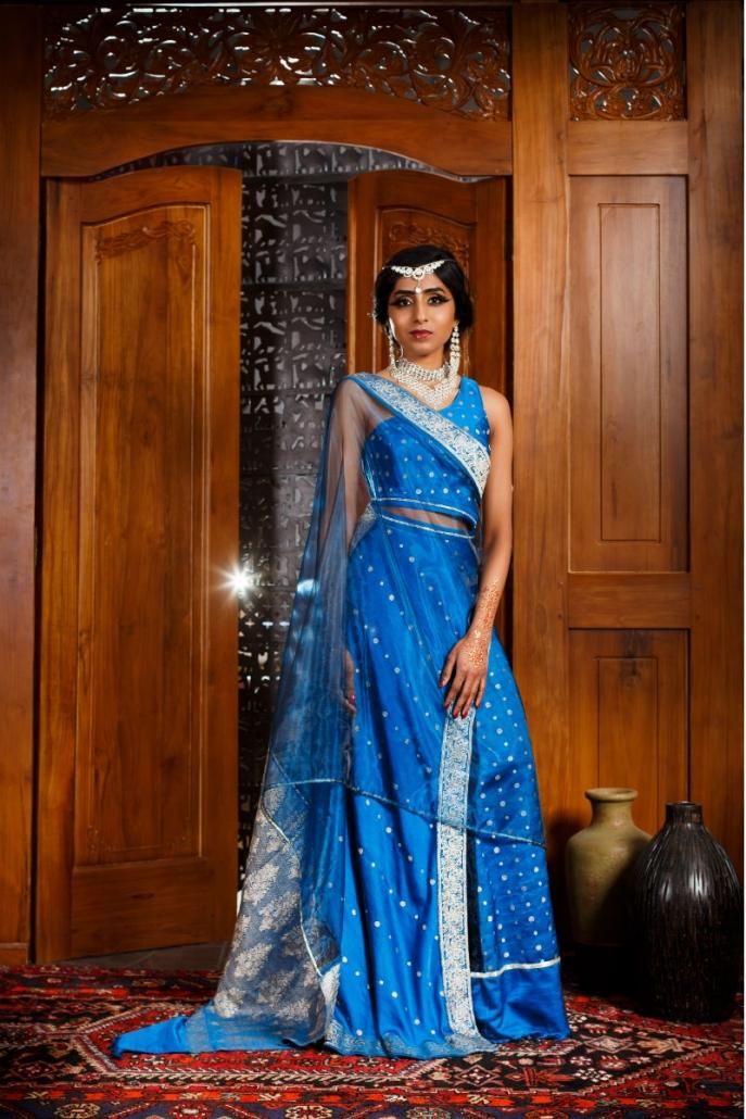 długa niebieska suknia orientalna