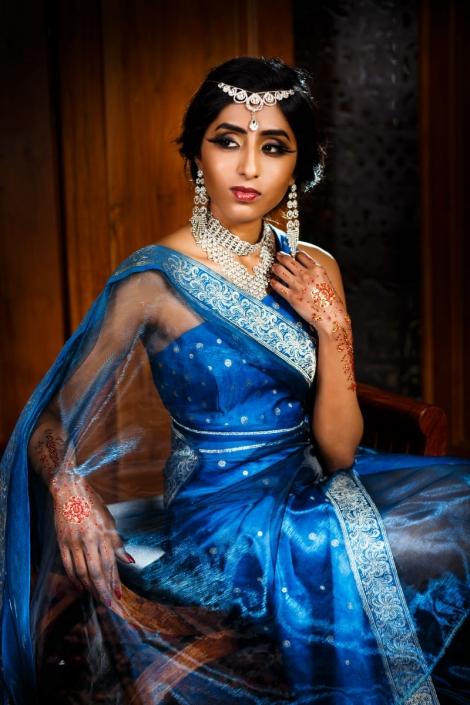 showroom Sundari niebieska suknia orientalna