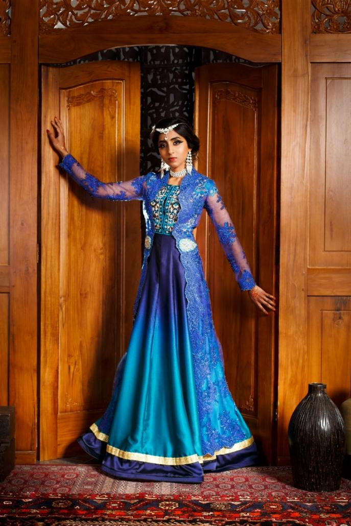 niebieska zwiewna suknia orientalna