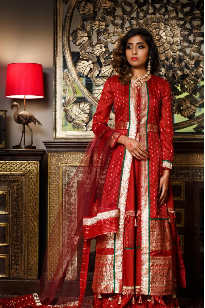 showroom Sundari - długa prosta suknia orientalna