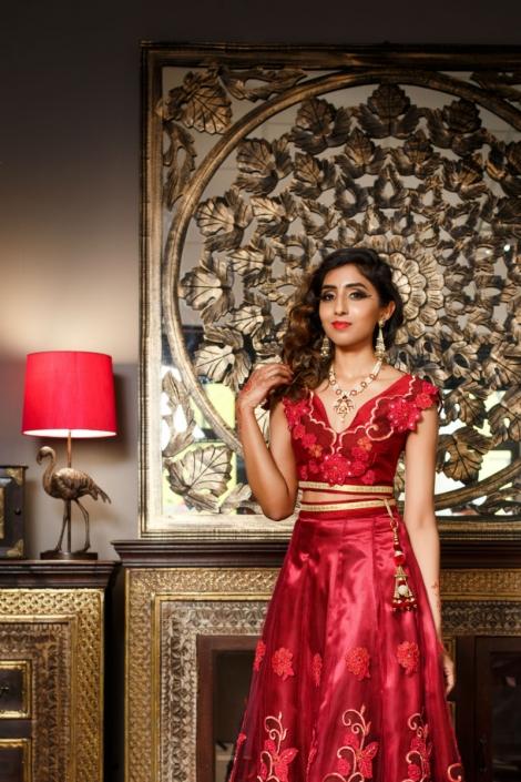 dwuczęściowa czerwona suknia orientalna