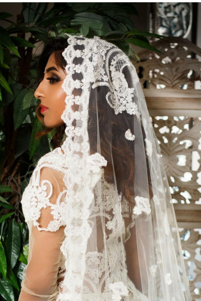 piękna biała suknia orientalna