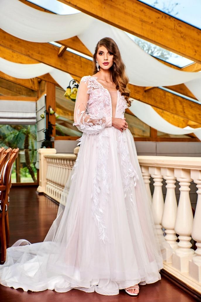 LAURA - suknia w stylu New Modern