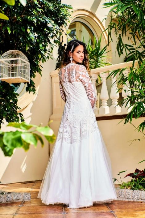 długa suknia ślubna w stylu Boho