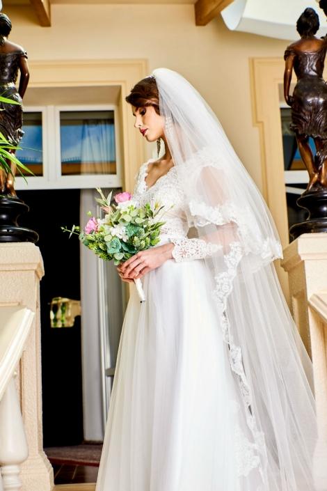 koronkowe suknie ślubne - showroom Sundari