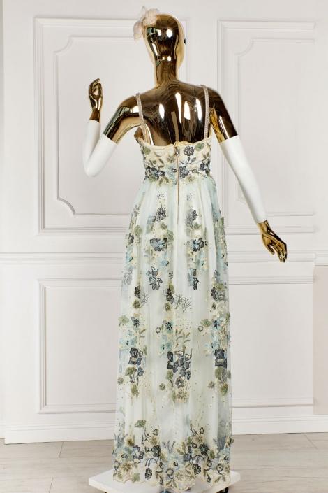 sukienka zaznaczająca talię i podkreślająca biust Kamelia